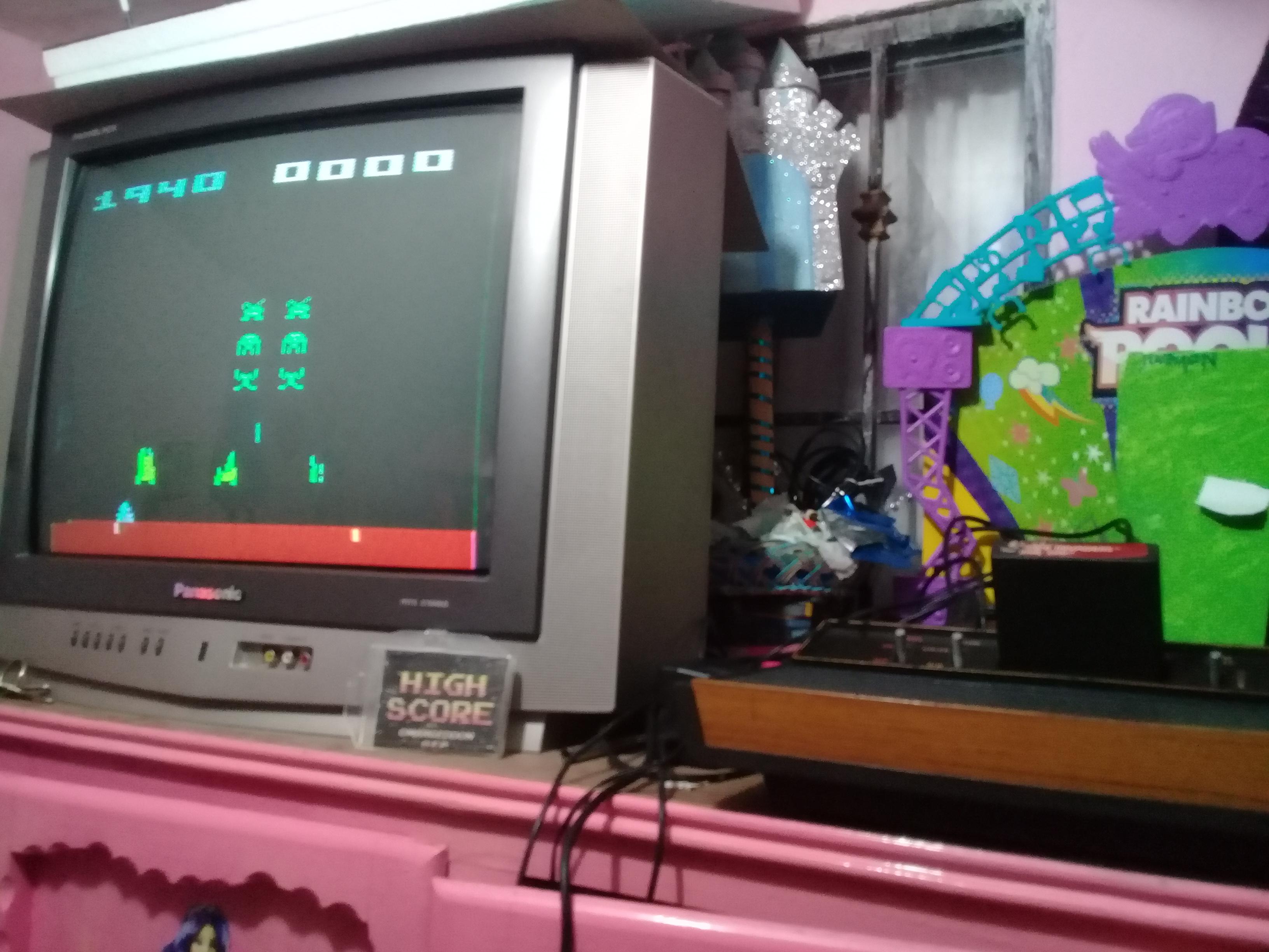 omargeddon: Space Invaders: Game 7 (Atari 2600 Novice/B) 1,940 points on 2019-01-14 09:32:26