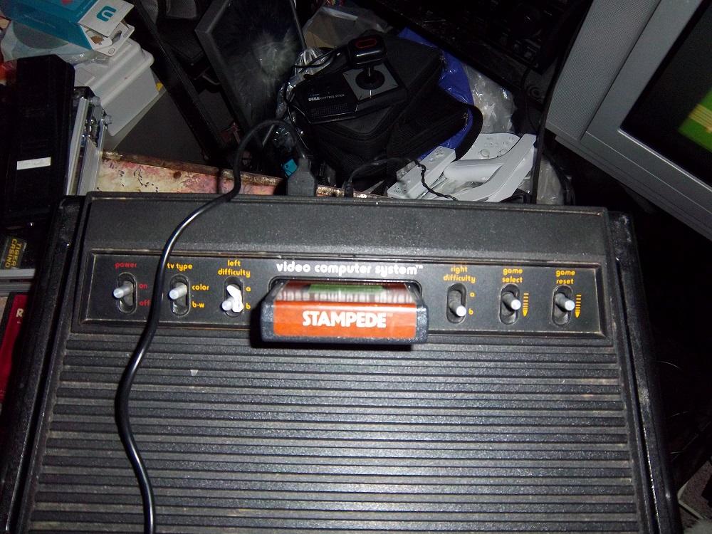darthkur: Stampede (Atari 2600 Novice/B) 6,604 points on 2016-03-24 17:43:09