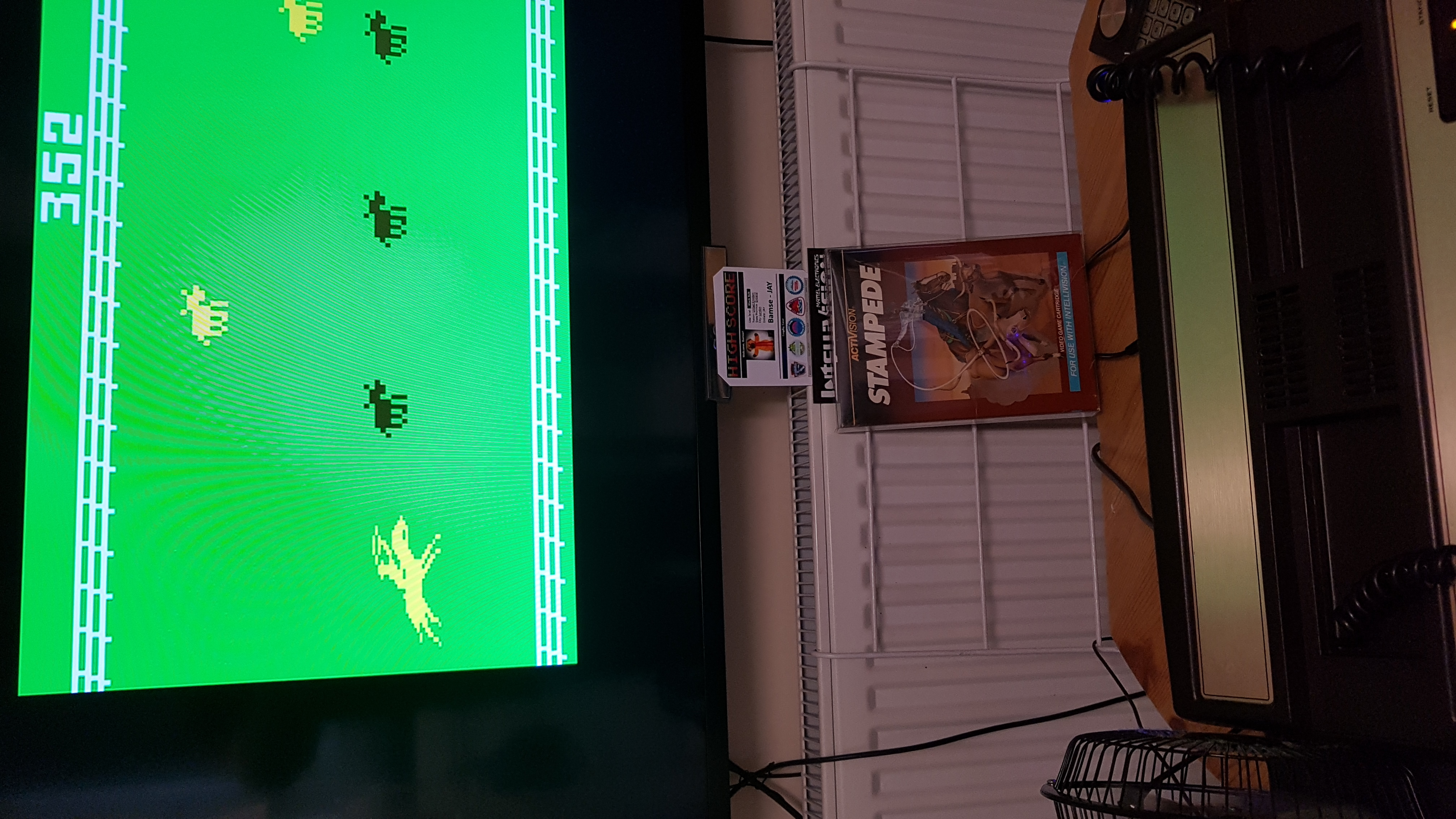 Bamse: Stampede: Select 4 (Intellivision) 352 points on 2019-08-17 07:02:19