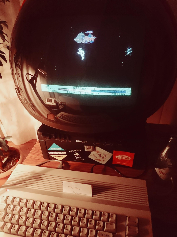 arasalkan: Star Trooper (Commodore 64) 1,104 points on 2019-05-03 15:06:27