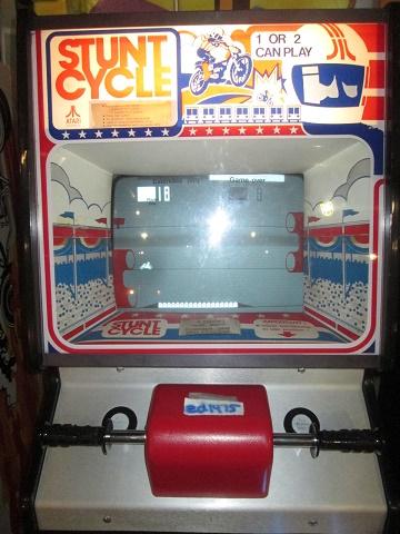 ed1475: Stunt Cycle [TTL] (Arcade) 18 points on 2019-08-04 12:59:59