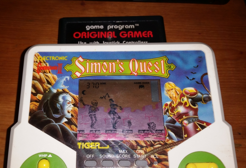 OriginalGamer: Tiger Electronics Castlevania II: Simons Quest (Dedicated Handheld) 370 points on 2016-05-04 16:25:18