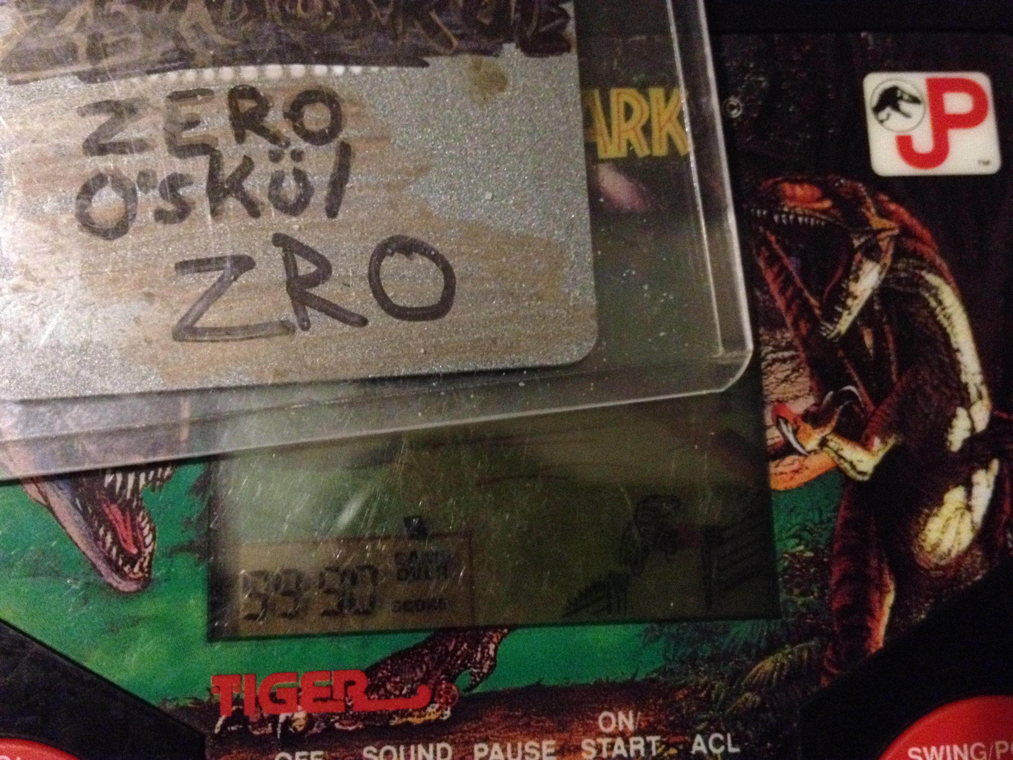 zerooskul: Tiger Electronics Jurassic Park (Dedicated Handheld) 9,990 points on 2019-12-08 02:26:21