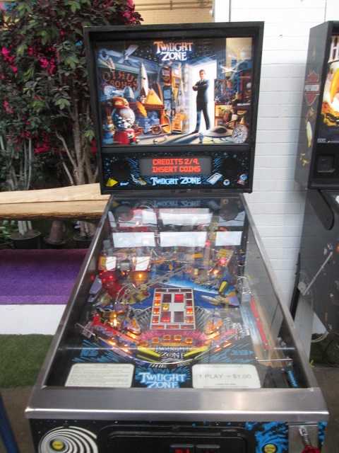 ed1475: Twilight Zone (Pinball: 3 Balls) 114,415,420 points on 2017-01-21 17:26:02