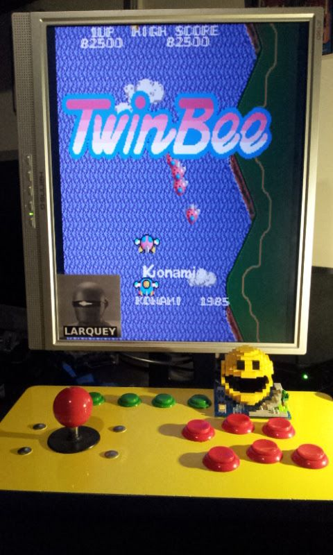 Larquey: TwinBee (Arcade Emulated / M.A.M.E.) 82,500 points on 2017-03-09 12:53:22