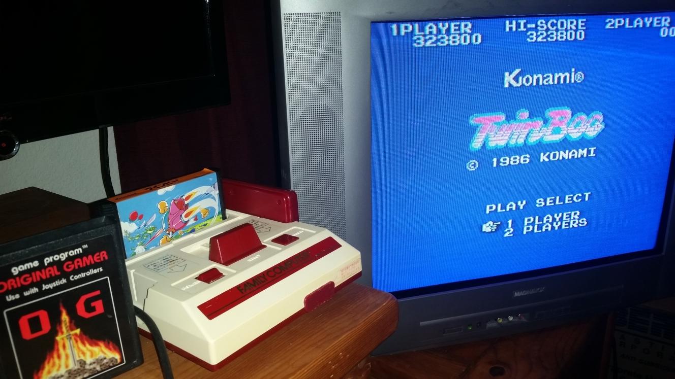 OriginalGamer: TwinBee (NES/Famicom) 323,800 points on 2016-06-26 21:52:43