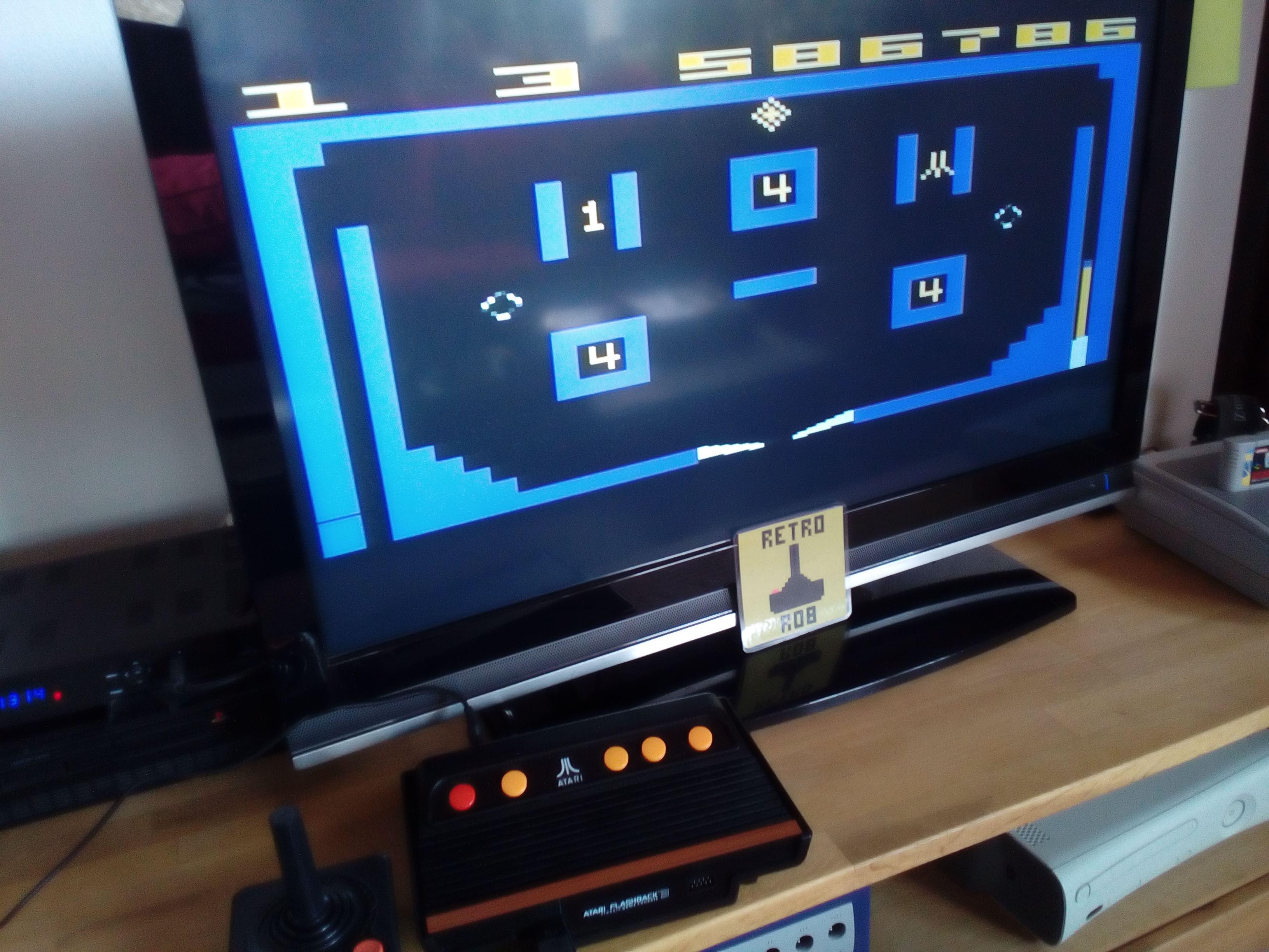RetroRob: Video Pinball (Atari 2600 Emulated Novice/B Mode) 586,786 points on 2019-03-17 07:19:32