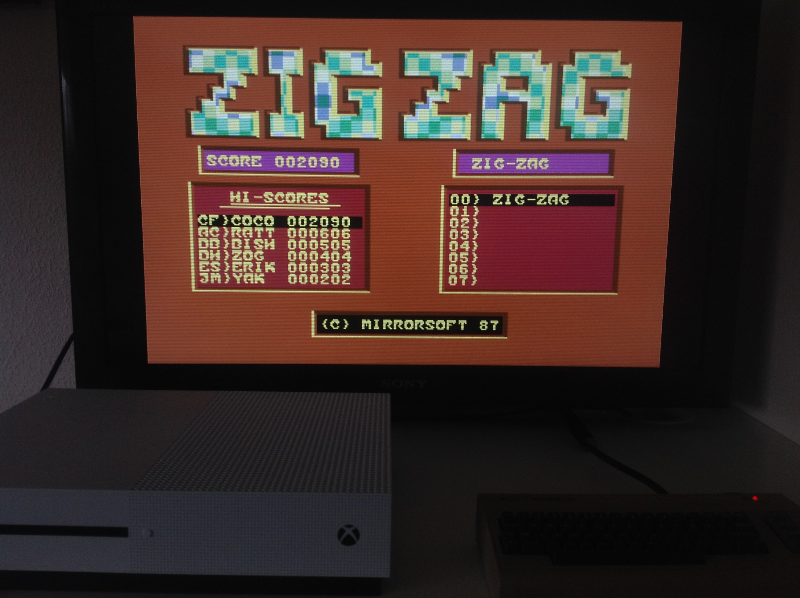 CoCoForest: Zig Zag (Commodore 64 Emulated) 2,090 points on 2018-04-23 11:54:11