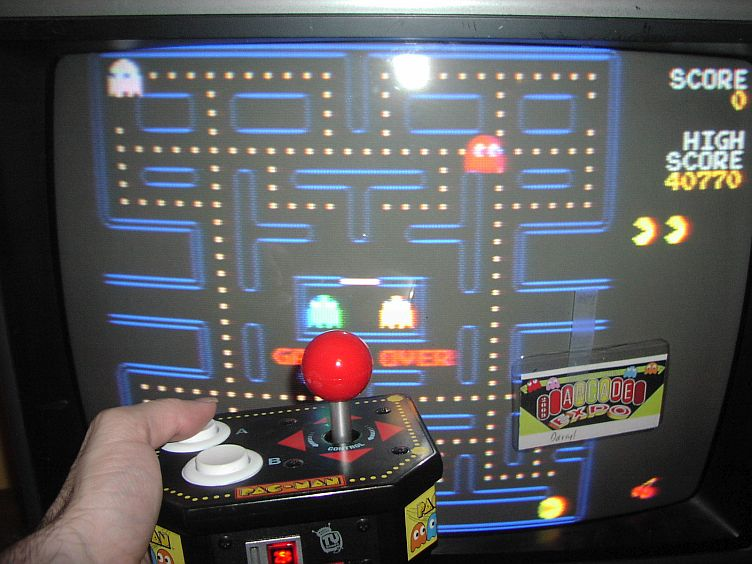 DarrylB: Pac-Man (Jakks Pacific Retro Arcade Pac-Man) 40,770 points on 2014-06-26 19:37:19