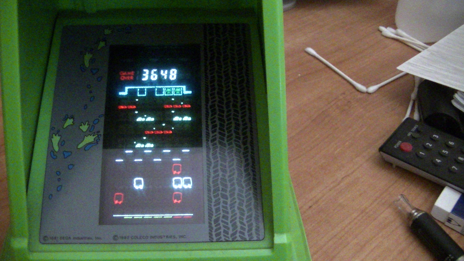 WaffleDeath: Coleco Frogger (Dedicated Handheld) 3,648 points on 2014-09-29 17:49:55