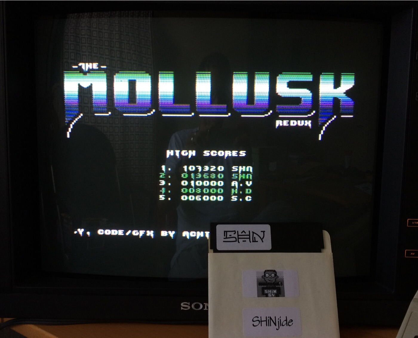 SHiNjide: Mollusk Redux (Commodore 64) 107,920 points on 2014-10-03 05:20:57
