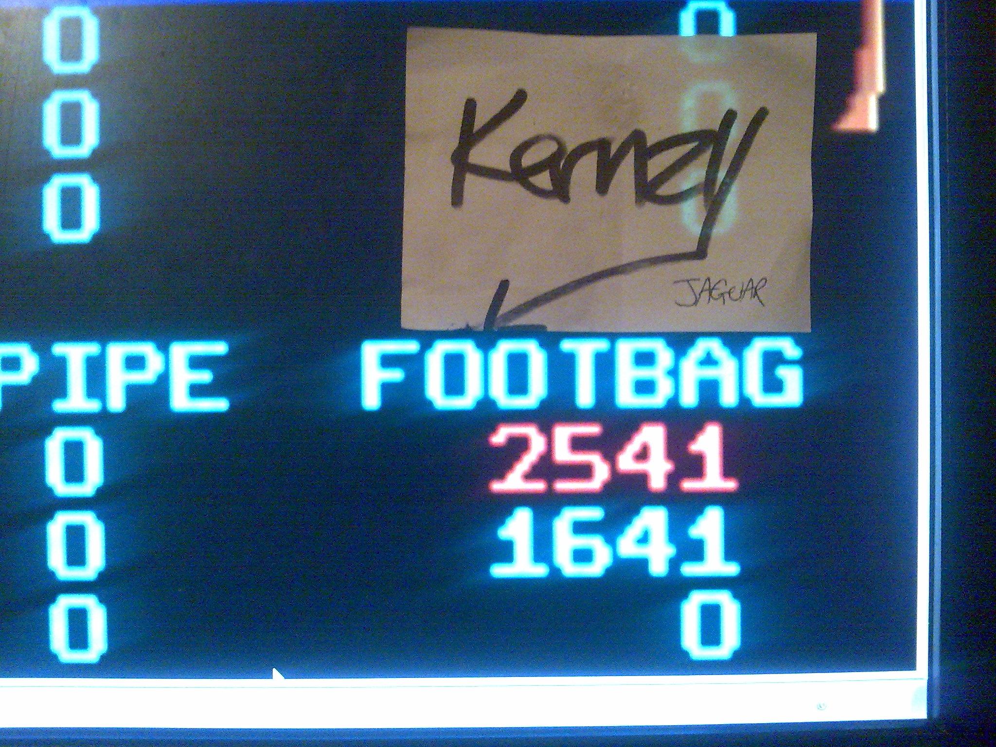 kernzy: California Games: Footbag (Atari Lynx Emulated) 2,541 points on 2014-10-12 07:43:55