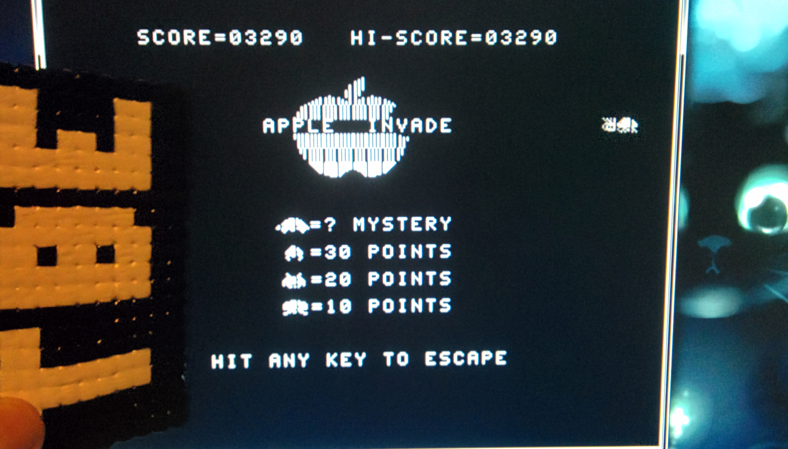Sixx: Apple Invaders (Atari 400/800/XL/XE Emulated) 3,290 points on 2014-10-16 17:19:04