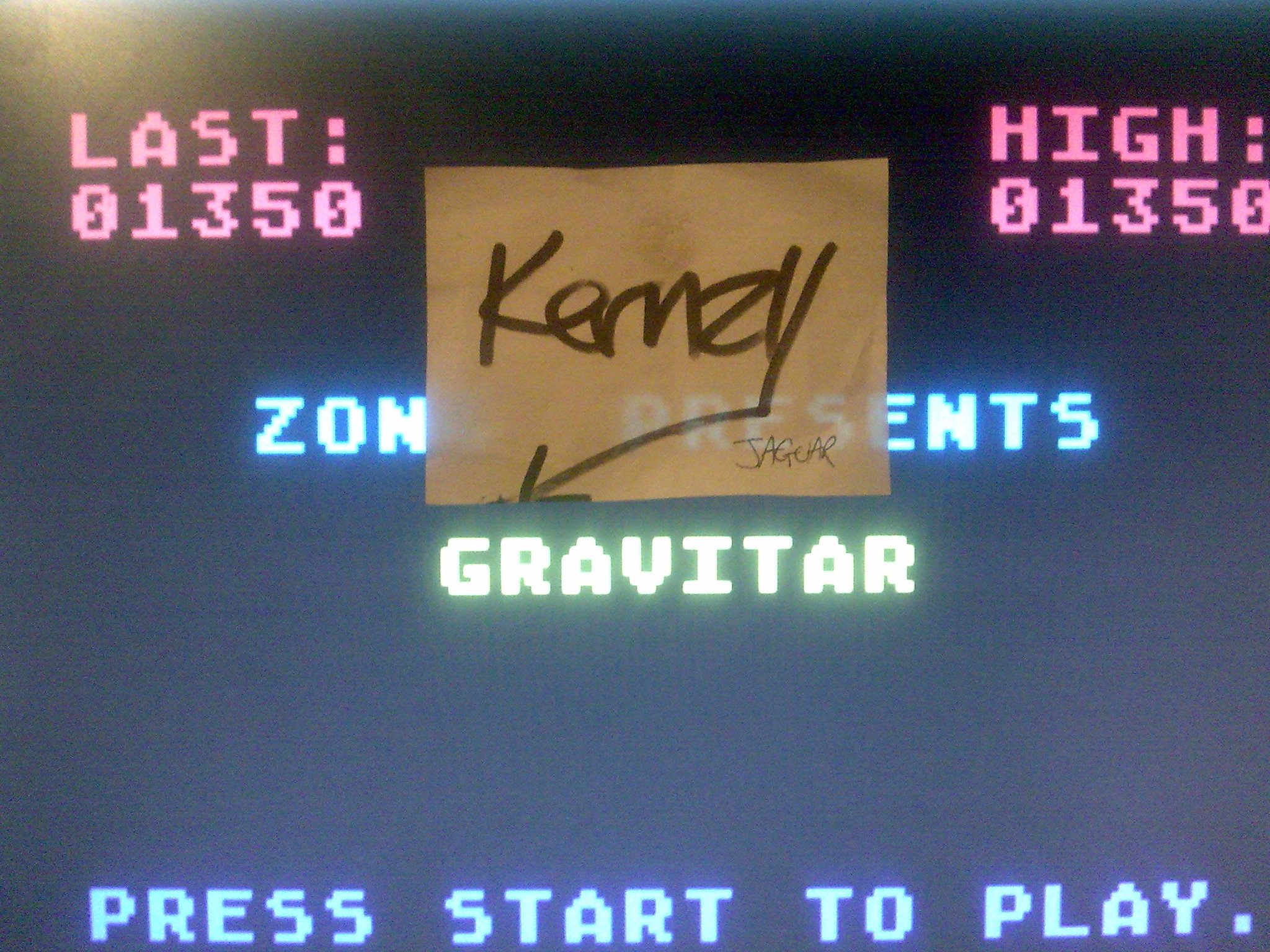 kernzy: Gravitar (Atari 400/800/XL/XE Emulated) 1,350 points on 2014-10-17 02:05:34