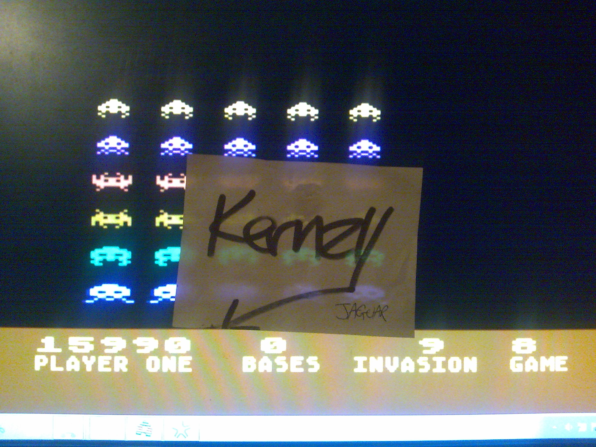 kernzy: Atari Invaders [Game 8] (Atari 400/800/XL/XE Emulated) 15,990 points on 2014-10-21 23:43:34