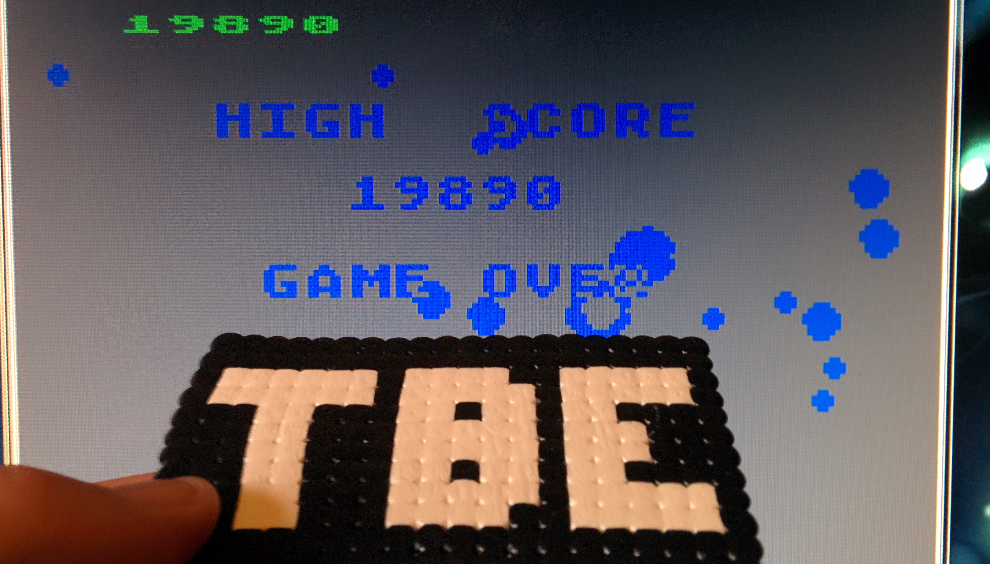 Sixx: Asteroids: Fast/Hyperspace/No Bounce (Atari 400/800/XL/XE Emulated) 19,890 points on 2014-10-24 09:06:56