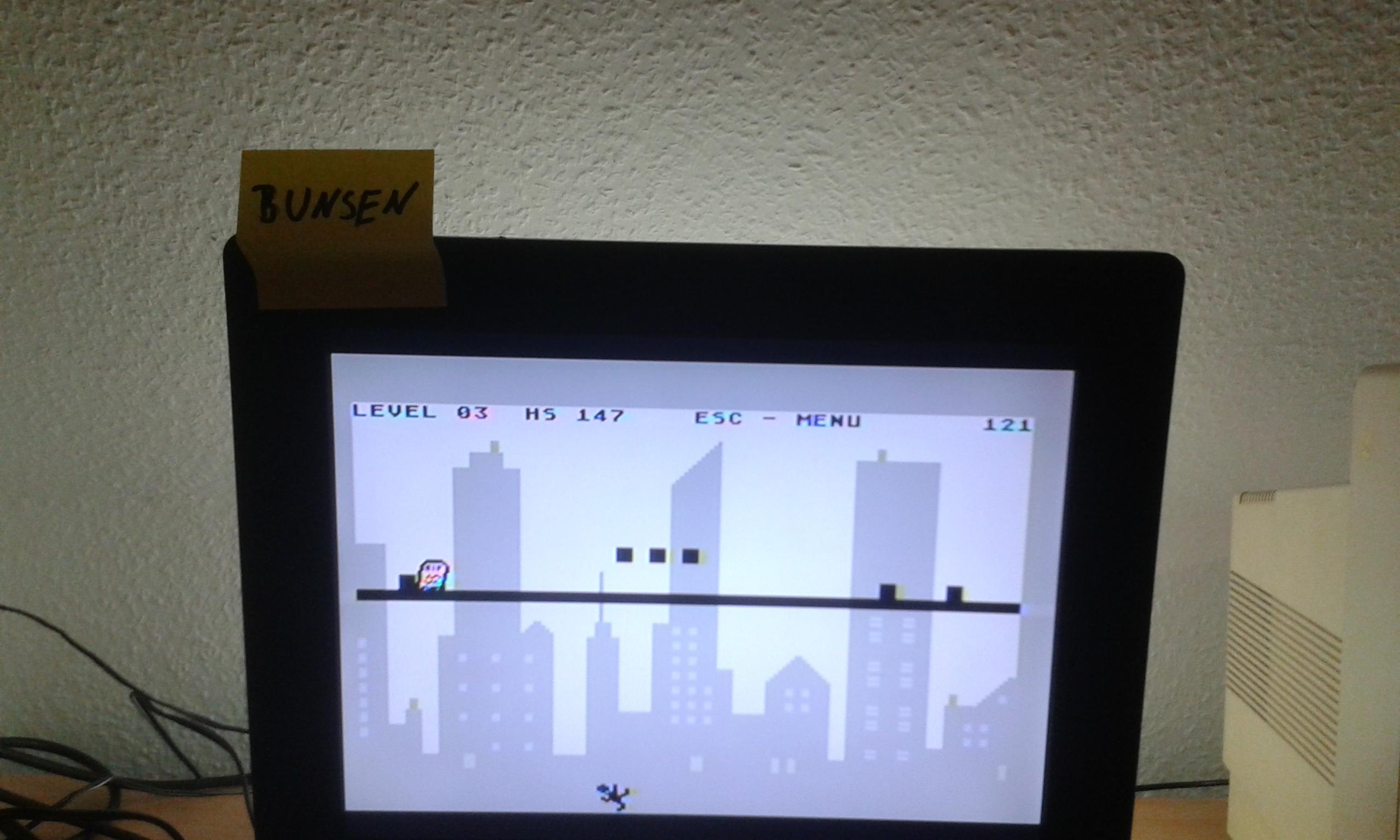 Bunsen: Line Runner (Atari 400/800/XL/XE) 3,147 points on 2014-10-26 14:53:01