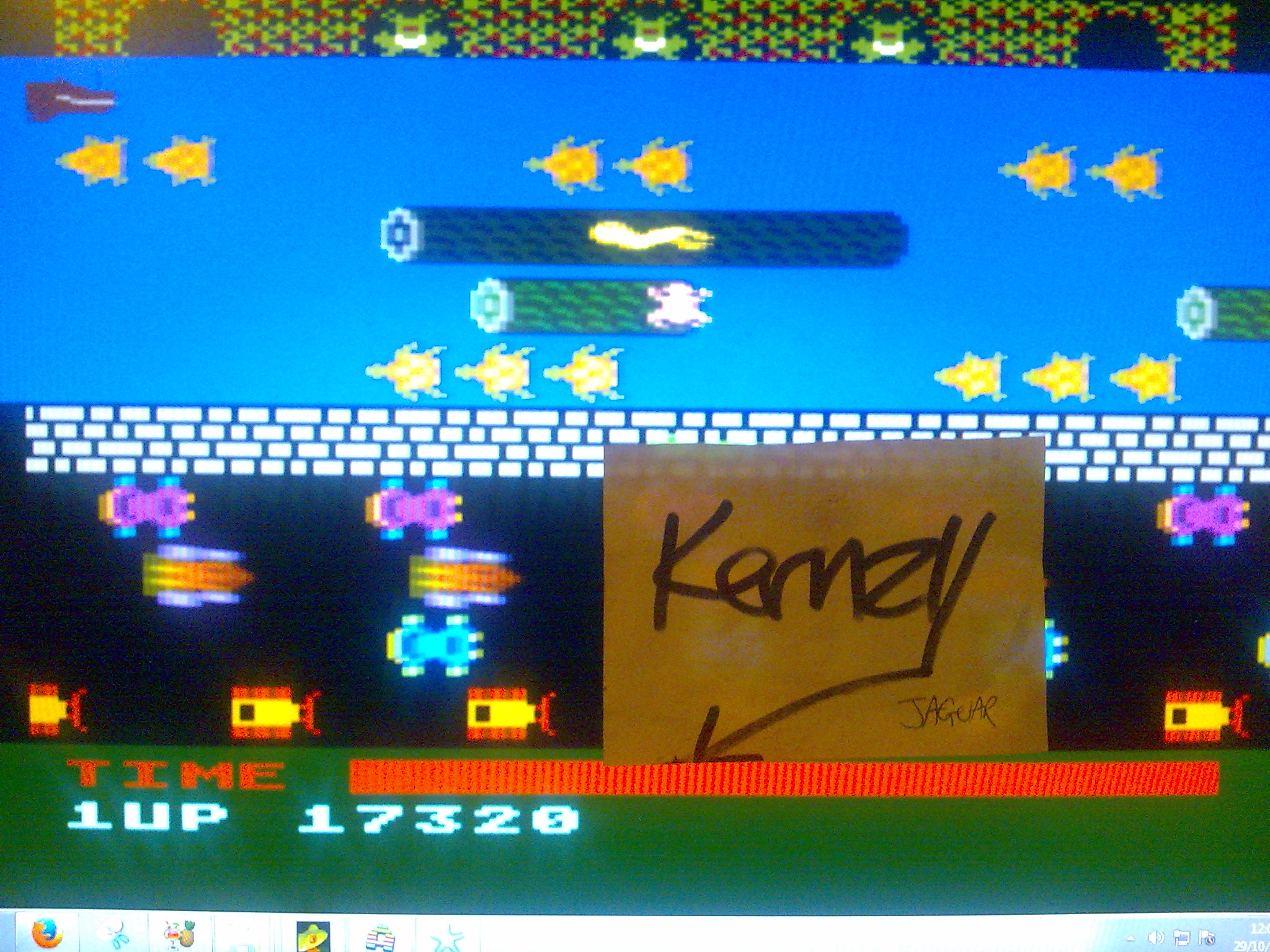 kernzy: Frogger [Parker Bros] (Atari 400/800/XL/XE Emulated) 17,320 points on 2014-10-29 08:45:10