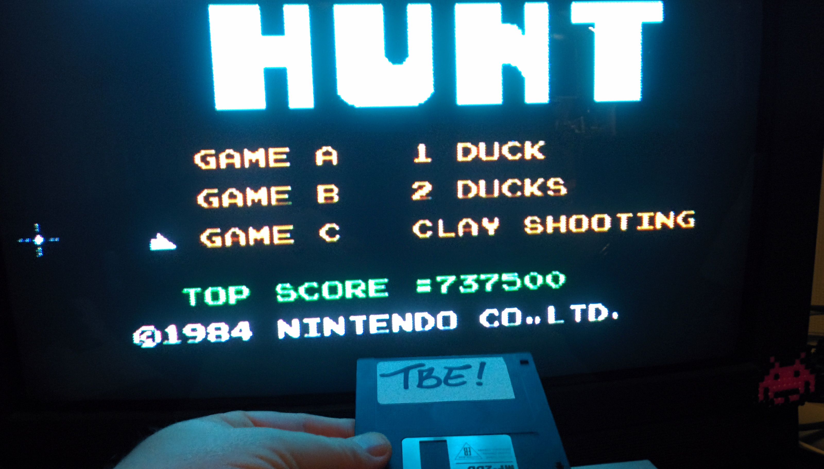 Sixx: Duck Hunt: Clay Pigeon [Any Distance] (NES/Famicom Emulated) 737,500 points on 2014-11-19 01:02:24
