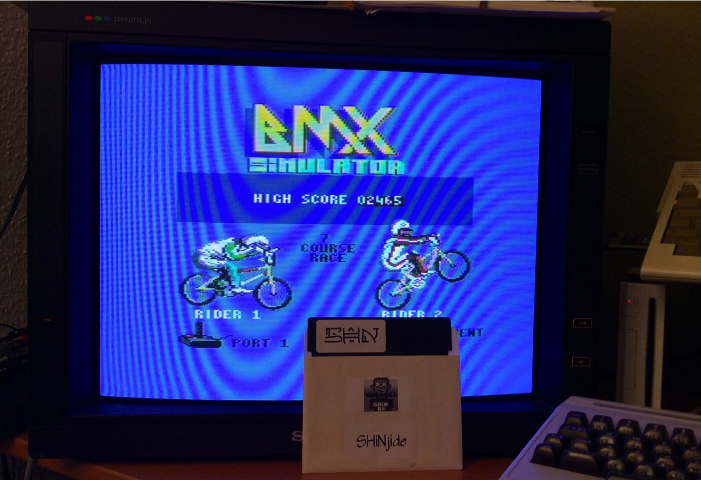SHiNjide: BMX Simulator (Commodore 64) 2,465 points on 2014-11-27 12:59:59
