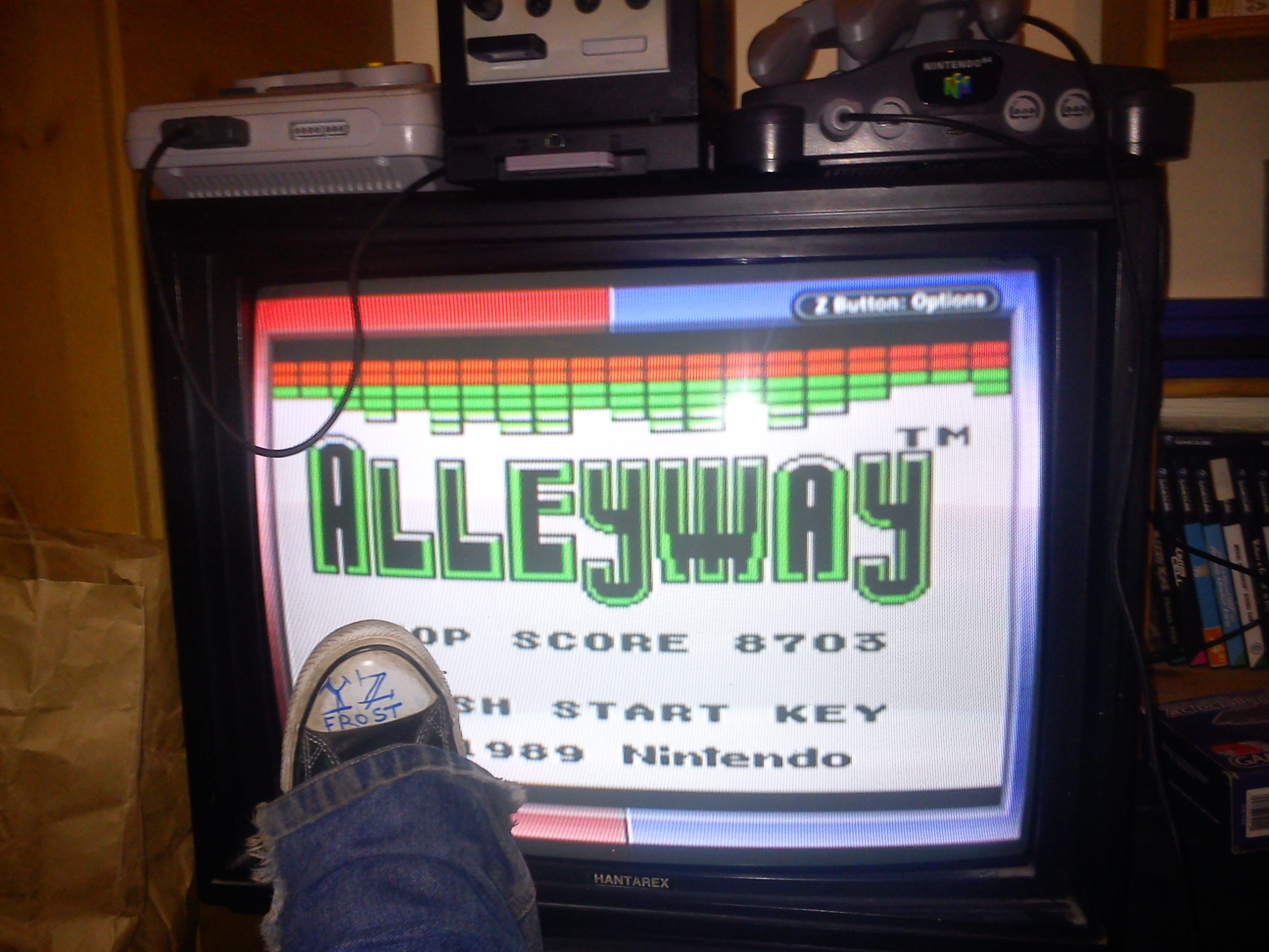 Fr0st: Alleyway (Game Boy) 8,703 points on 2014-11-28 17:37:07