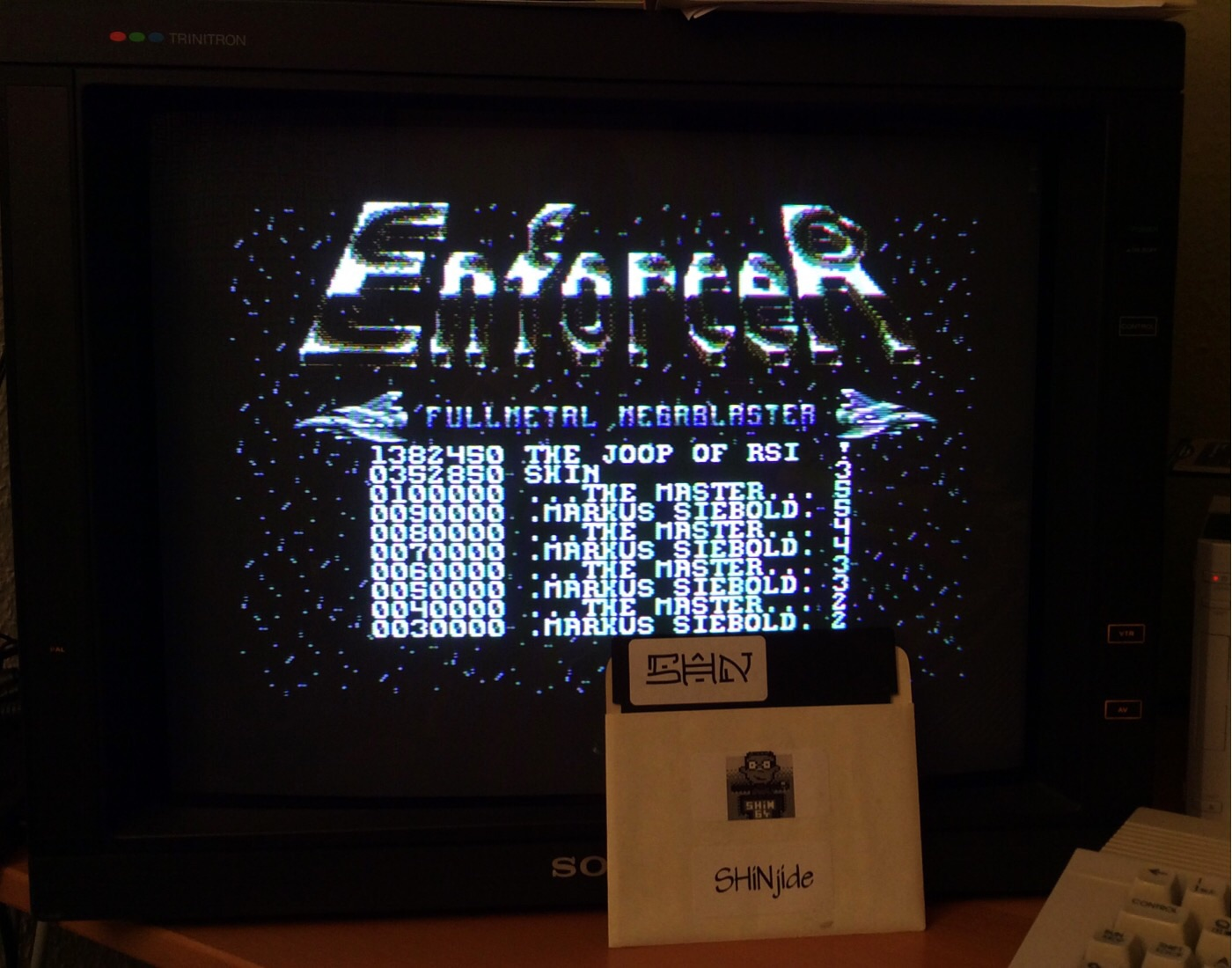 SHiNjide: Enforcer (Commodore 64) 352,850 points on 2014-12-12 16:38:31