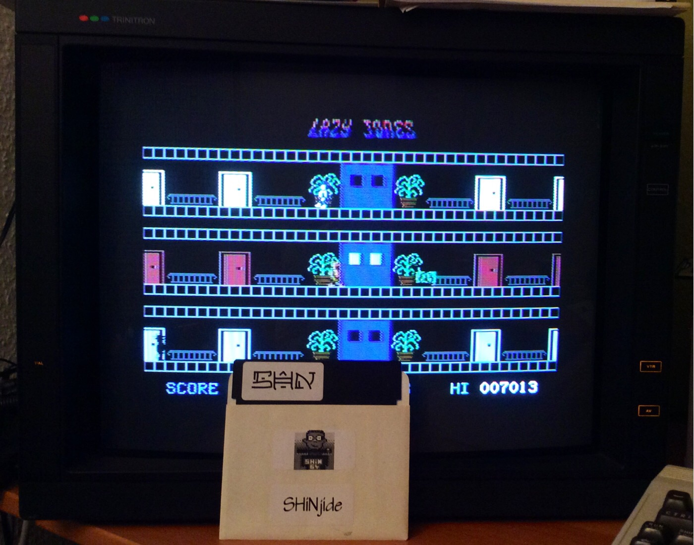 SHiNjide: Lazy Jones (Commodore 64) 7,013 points on 2014-12-15 13:57:08