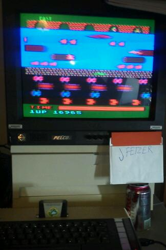 jfetzer: Frogger: Fast [Parker Brothers] (Atari 400/800/XL/XE) 16,965 points on 2015-01-09 11:06:02