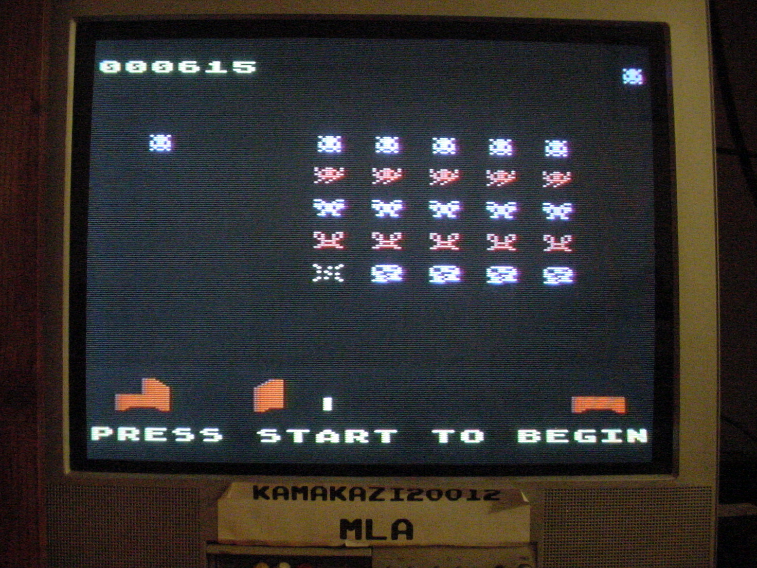 kamakazi20012: Invaders [Zong] (Atari 400/800/XL/XE) 615 points on 2015-01-17 02:40:39