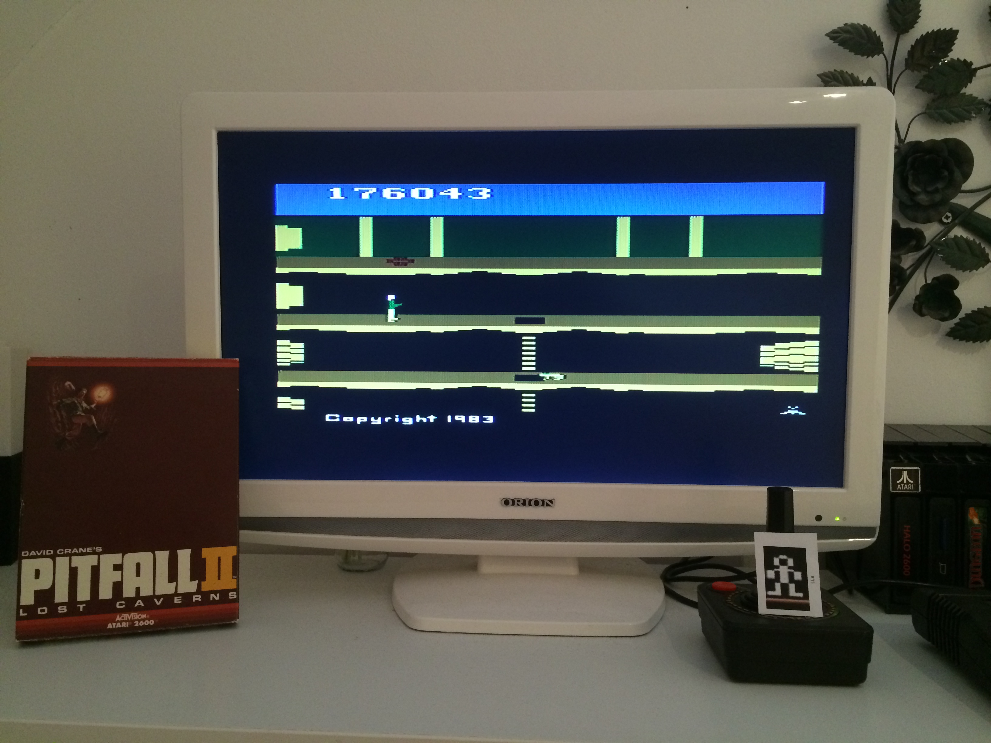 LLe: Pitfall II: Lost Caverns (Atari 2600) 176,043 points on 2015-01-31 10:05:45