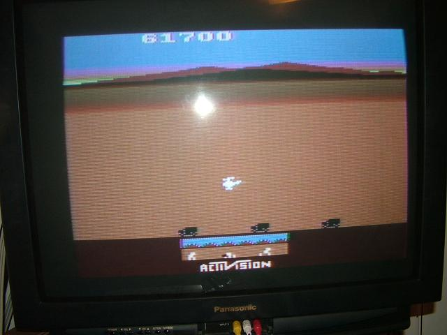 AtariPlayer: Chopper Command (Atari 2600 Novice/B) 61,700 points on 2013-10-30 23:45:50