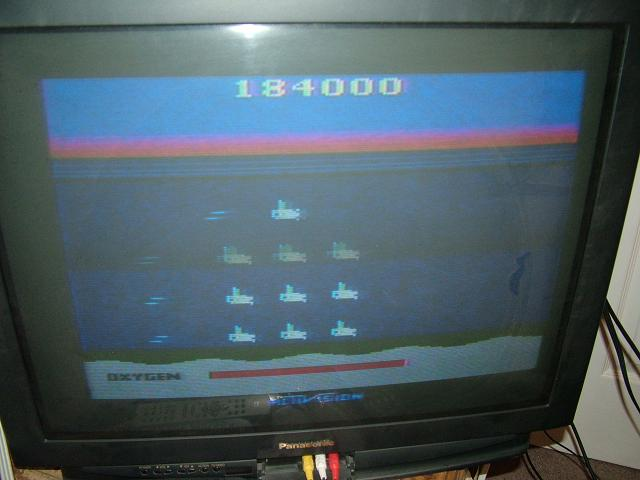 AtariPlayer: Seaquest (Atari 2600 Novice/B) 184,000 points on 2013-10-30 23:49:35