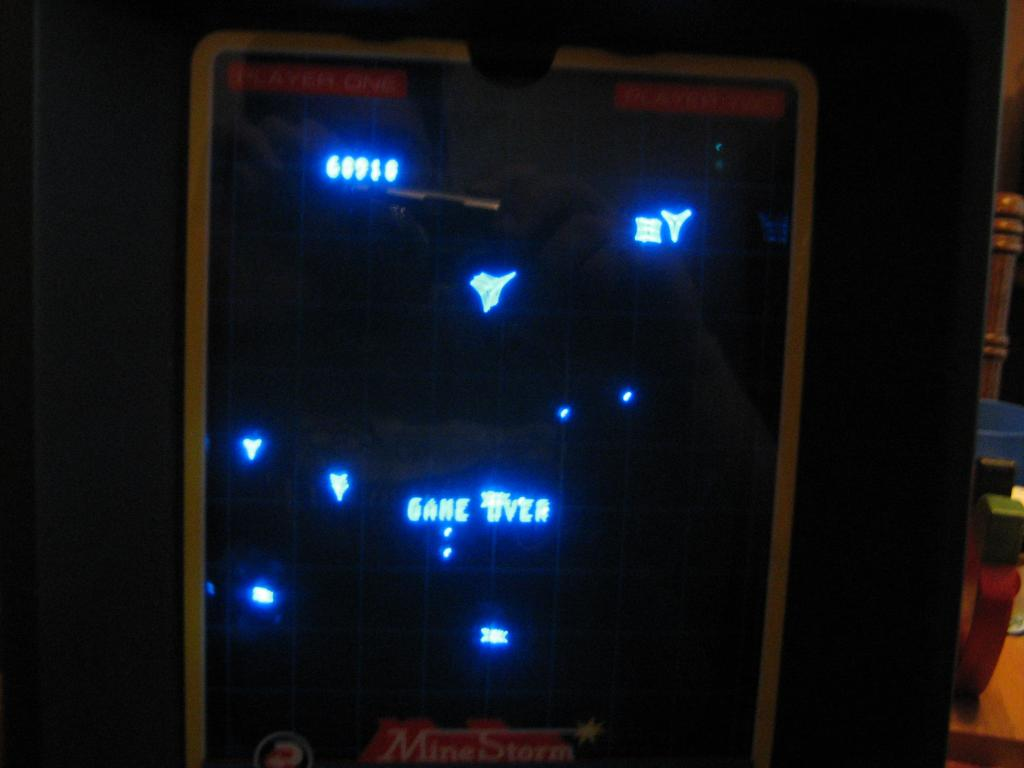 arenafoot: Mine Storm: US version (Vectrex) 60,910 points on 2014-01-21 20:36:43