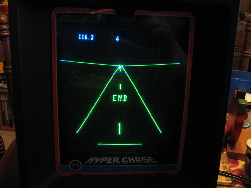 arenafoot: Hyper Chase (Vectrex) 116 points on 2014-01-21 20:43:36