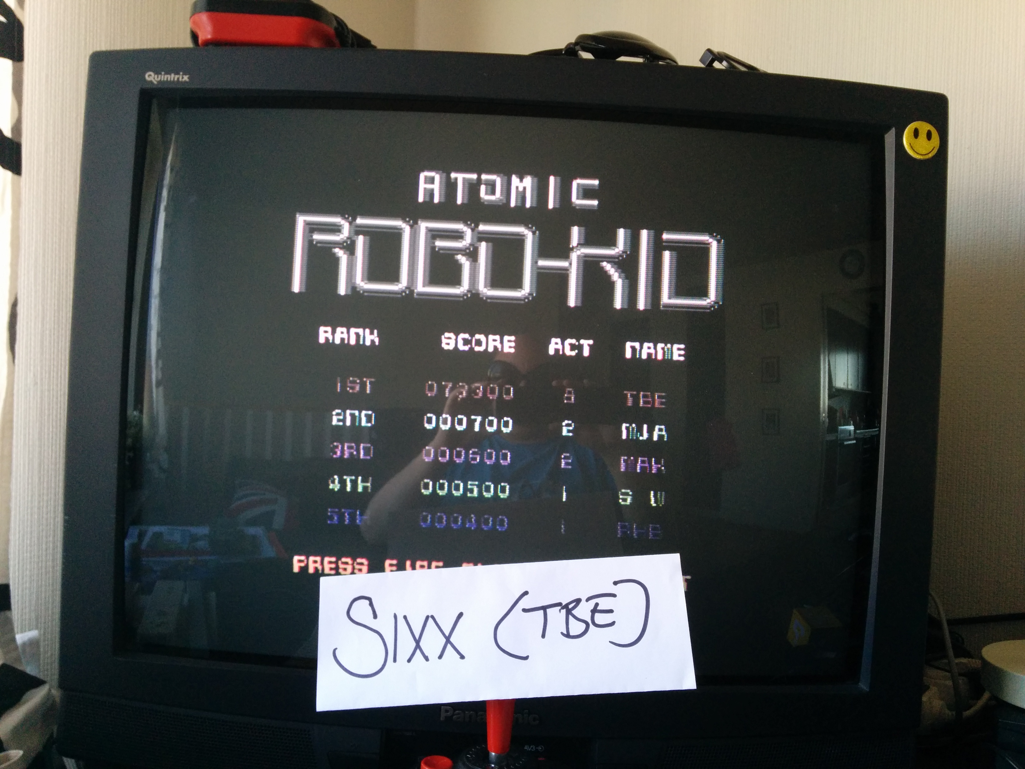 Atomic Robo Kid 73,300 points