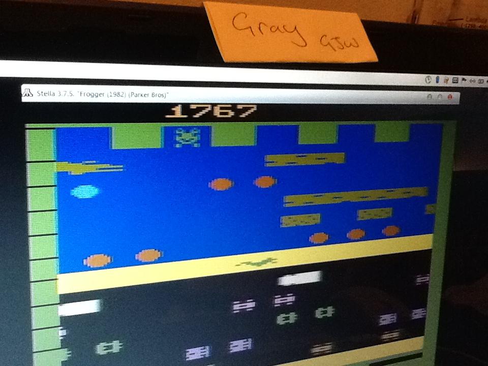 Gray: Frogger (Atari 2600 Emulated Novice/B Mode) 1,767 points on 2014-04-01 07:07:59