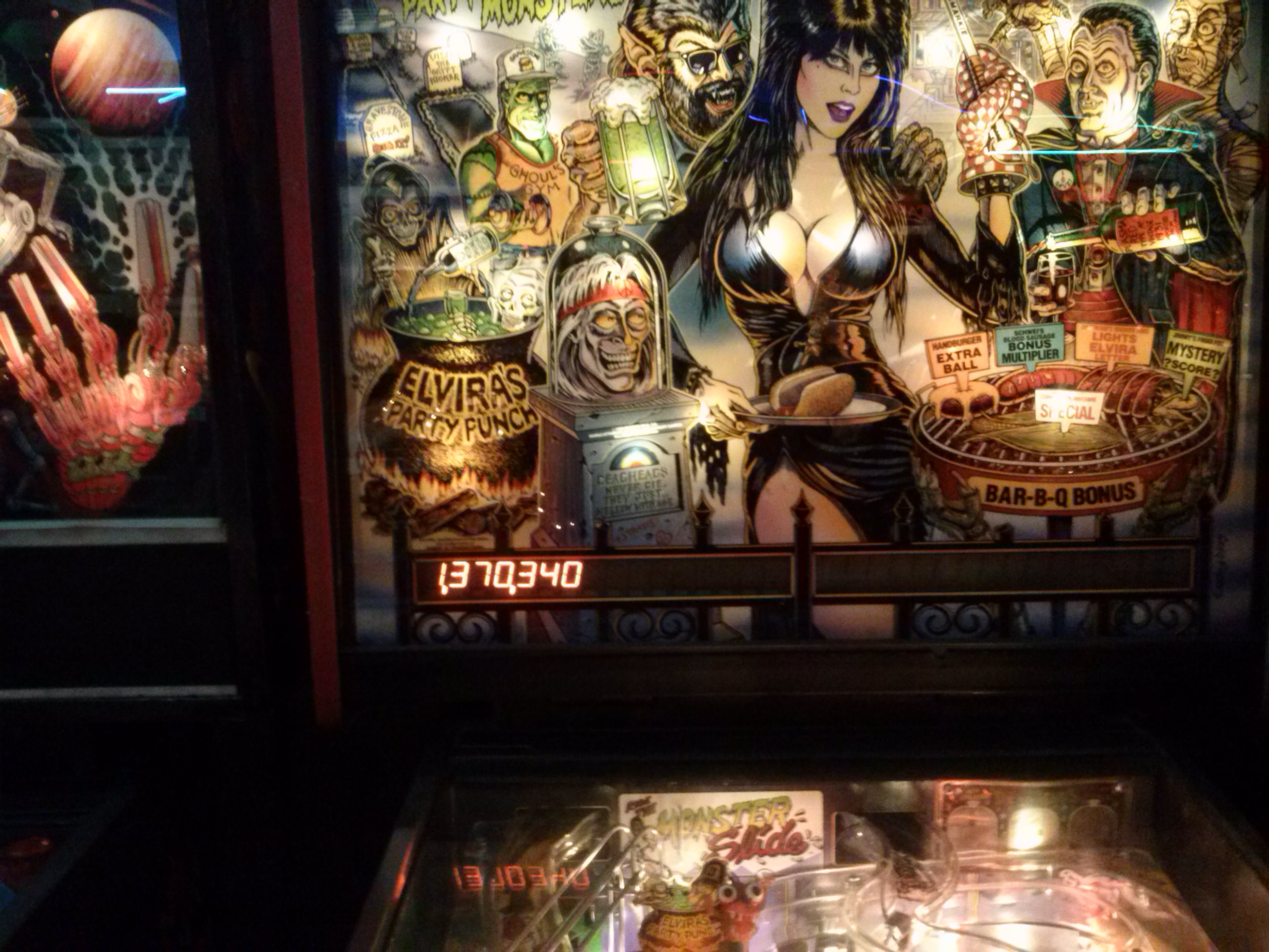 nester: Elvira and the Party Monsters (Pinball: 3 Balls) 1,370,340 points on 2014-05-21 18:21:40