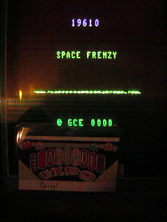 DarrylB: Space Frenzy (Vectrex) 19,610 points on 2014-05-23 13:03:30